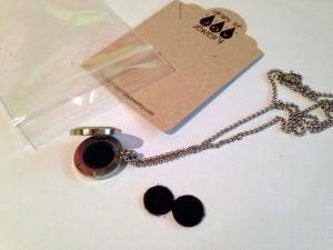 essential oil jewelry